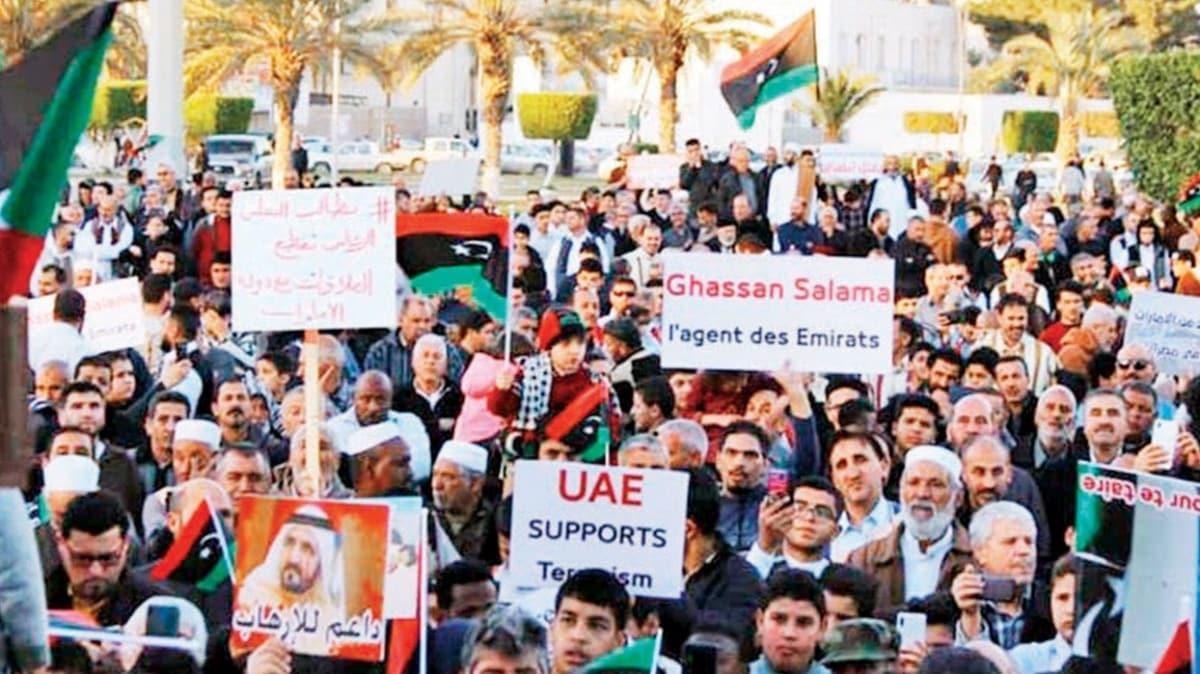 Doğuda binlerce kişi ayaklandı! Hafter, Libya halkının yaşamını kararttı