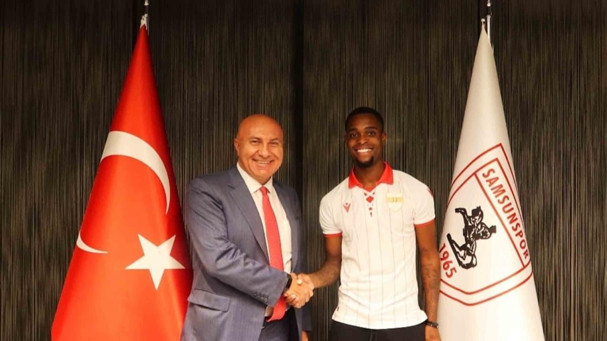 Samsunspor yıldız futbolcu ile sözleşme imzaladı