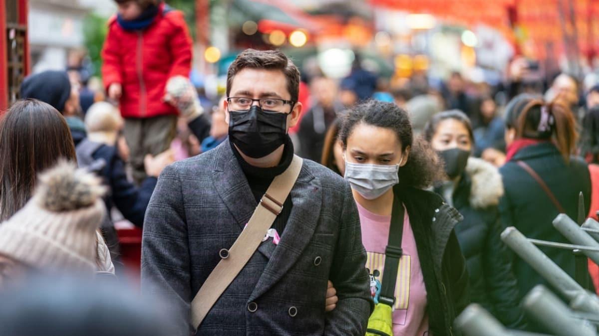 İngiliz bilim adamından ürküten koronavirüs iddiası: Sonsuza kadar kalabilir