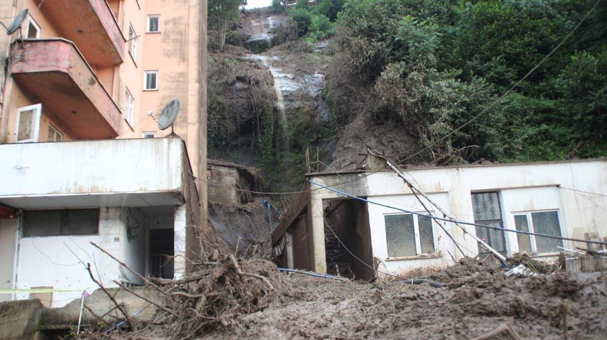 Rize'de sel ve heyelanların neden olduğu hasar, gün ağarınca ortaya çıktı