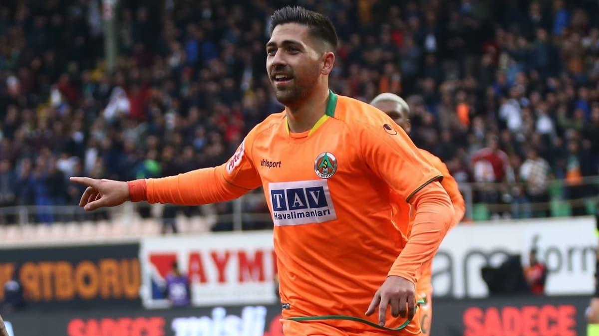 Alanyaspor, Fenerbahçe'nin istediği Bakasetas için 4 milyon euro talep ediyor