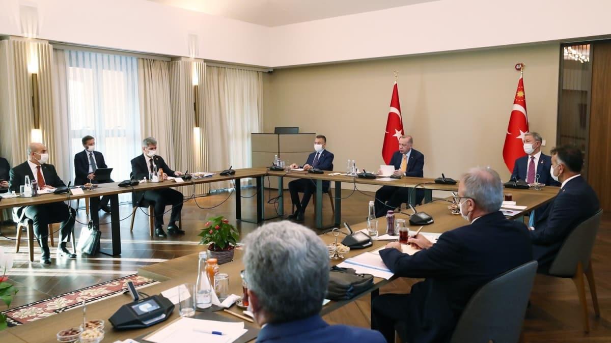 Başkan Erdoğan, Bitlis'te bölge valileriyle toplantı yaptı