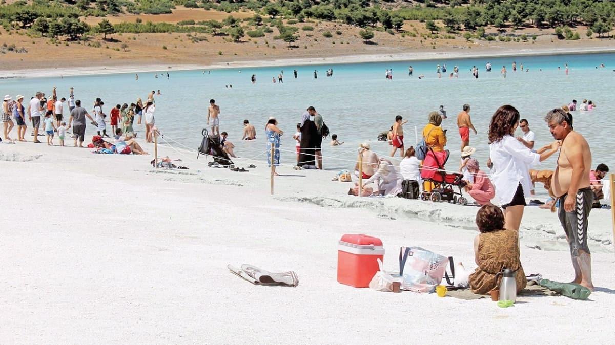 Türkiye'nin Maldivleri adıyla ünlenen Salda Gölü'ndeki kum değil fosil