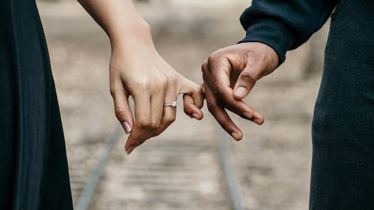 """Aldatma sonrası ilişki yeniden toparlanır mı"""""""