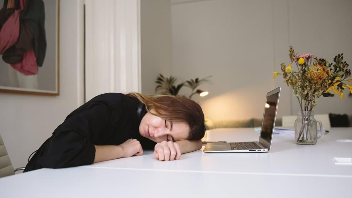 Virüs salgını uyku düzenini değiştirdi! İşte uyku sorununa çözüm önerileri