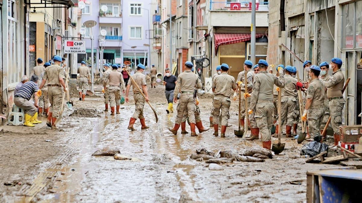 Komandolardan Dereli sokaklarında temizlik