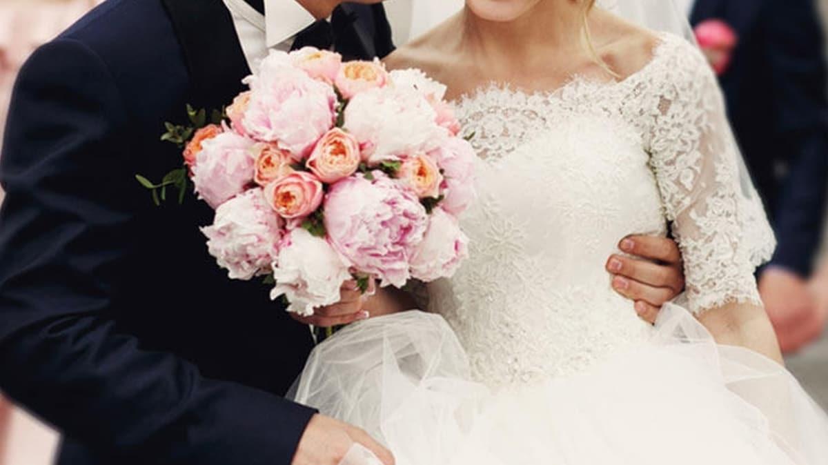 Patronuna haber vermeden düğün yaptı, tazminatsız kovuldu