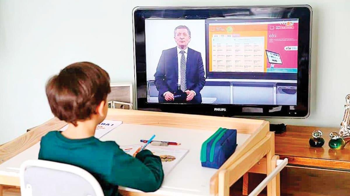 'Evde okul disiplini sağlanmalı'