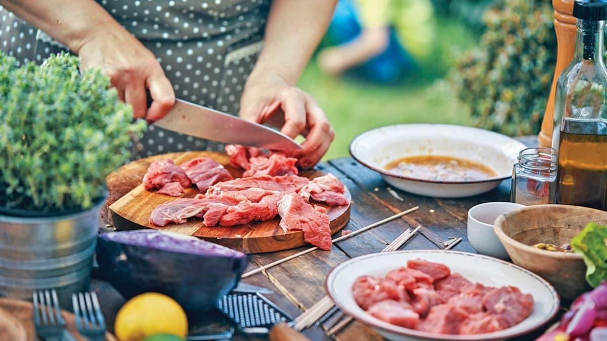 Eti pişirirken katı yağ kullanmayın