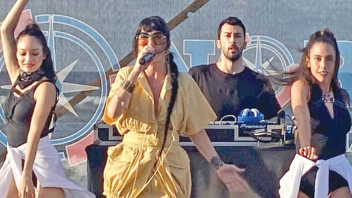 Hande Yener: Şarkıcılık zinde tutuyor