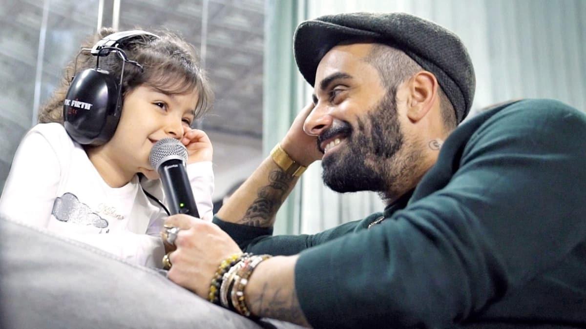 Gökhan Türkmen kızı Nil Rona ile stüdyoda 'Mavi' şarkısını söyledi! Baba - kız stüdyoda keyifli anlar yaşadı