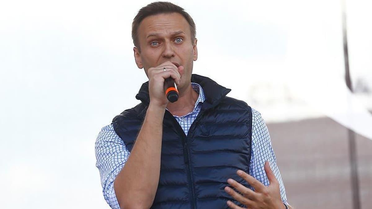 Alman hükümeti Rus muhalif Navalnıy'ın kesinlikle zehirlendiğini duyurdu!