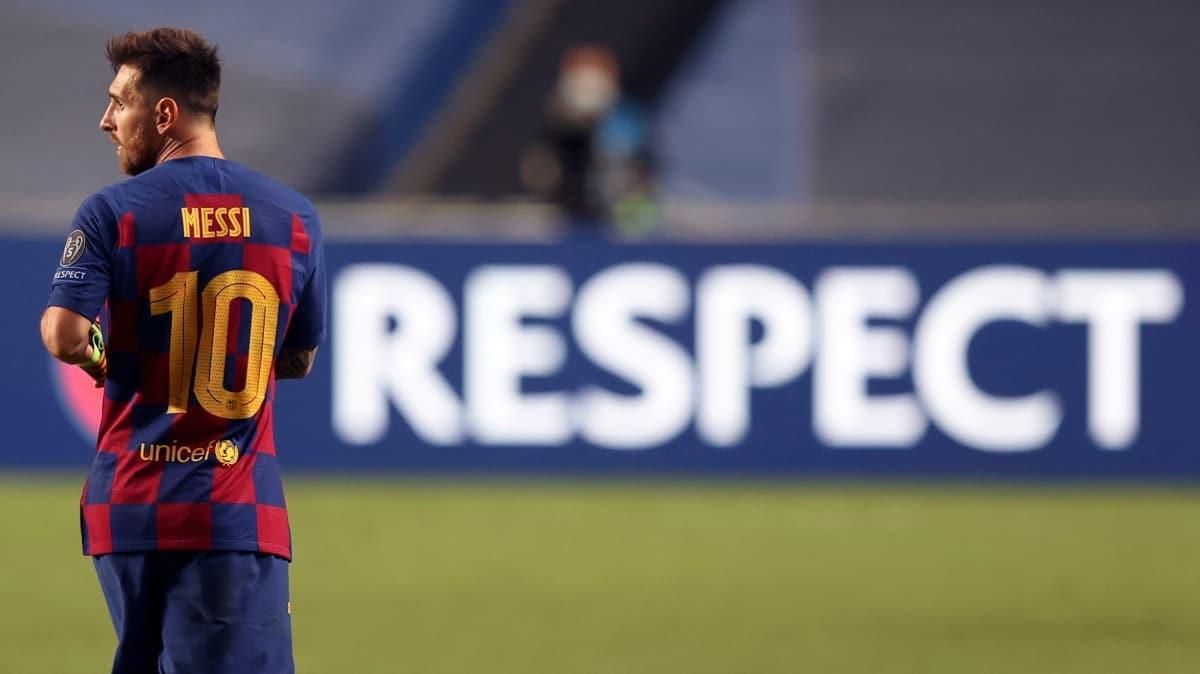 Lionel Messi Barcelona'da kaldı; başkana ateş püskürdü