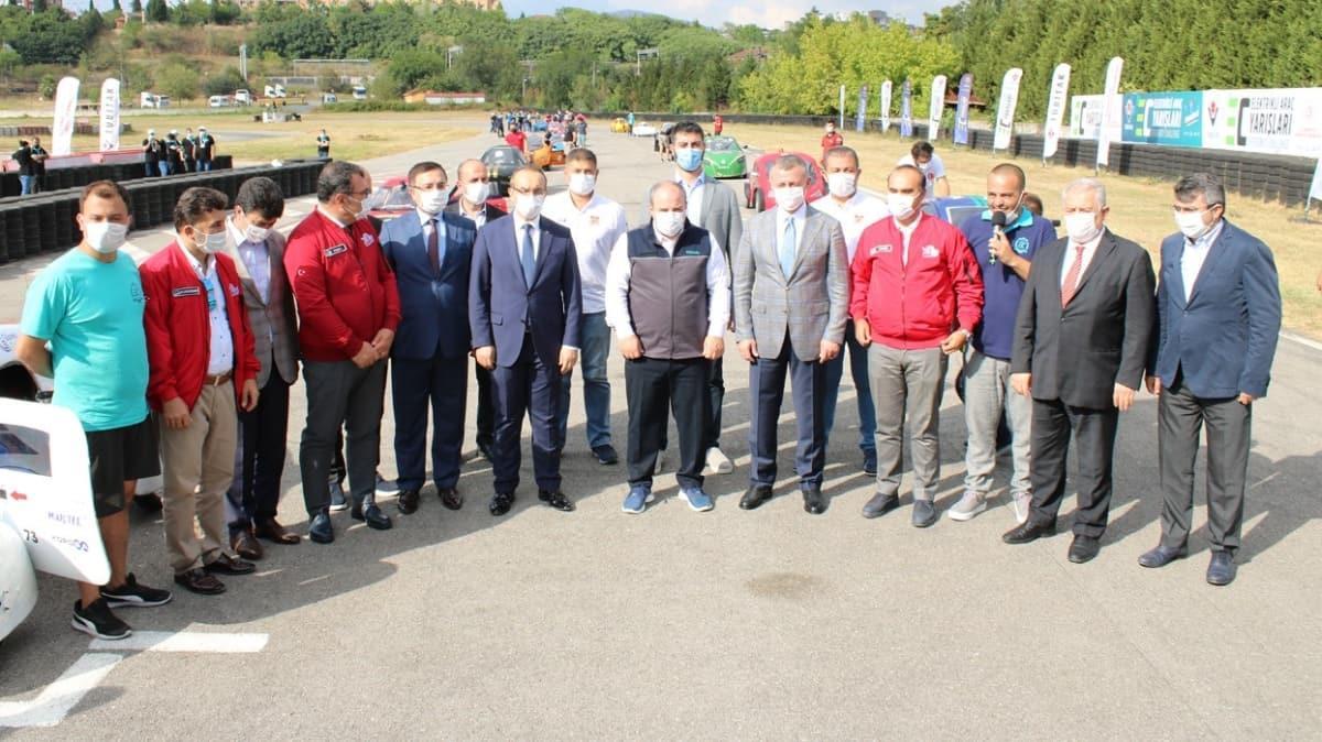 Teknofest 2020 Efficiency Challange yarış startını Mustafa Varank ve Selçuk Bayraktar gerçekleştirdi