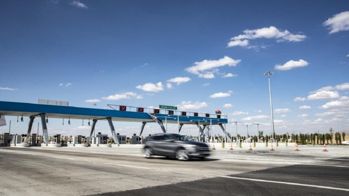 Ankara-Niğde Otoyolu vatandaşlardan tam not aldı... İlk günden 10 bin araç geçti