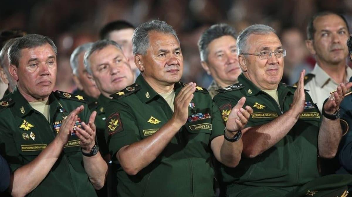 Rusya Savunma Bakanı Şoygu'dan NATO'ya Karadeniz tepkisi: NATO uçakları Rusya'ya yönelik saldırı taklidi yapıyor