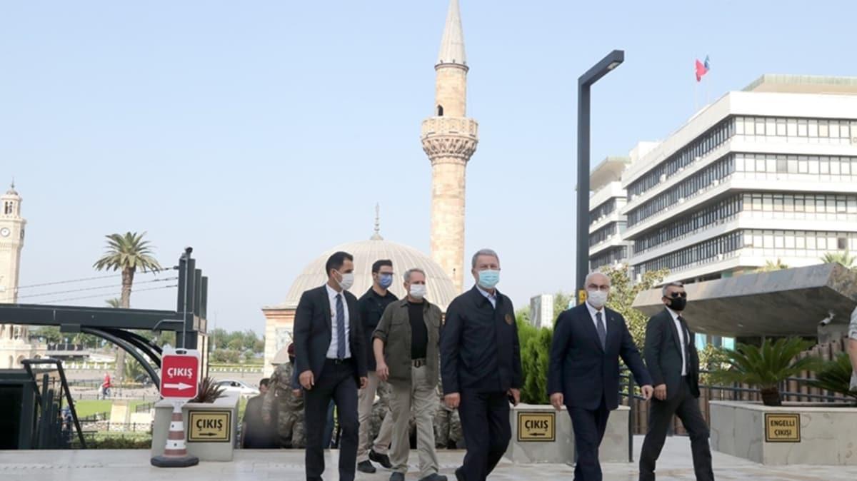 Bakan Akar ve TSK komuta kademesi İzmir Valiliği'ni ziyaret etti