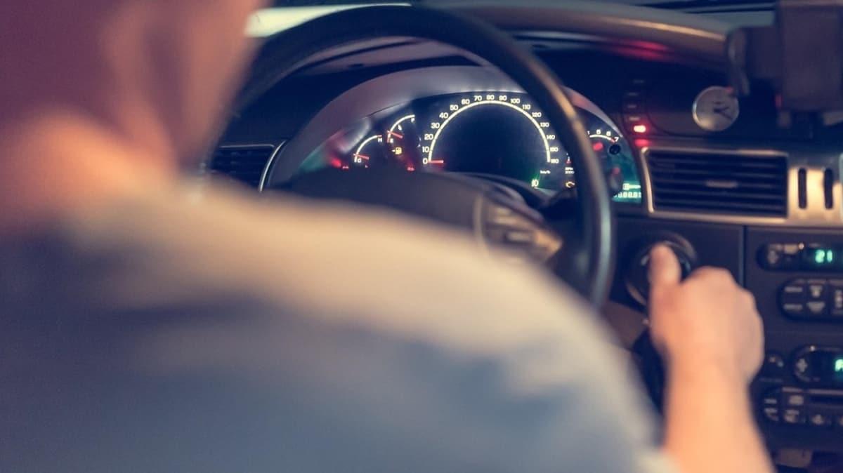 İngiltere'den sürücülerle ilgili yeni tasarı: Telefonla konuşurken ölüme neden olana ömür boyu hapis cezası