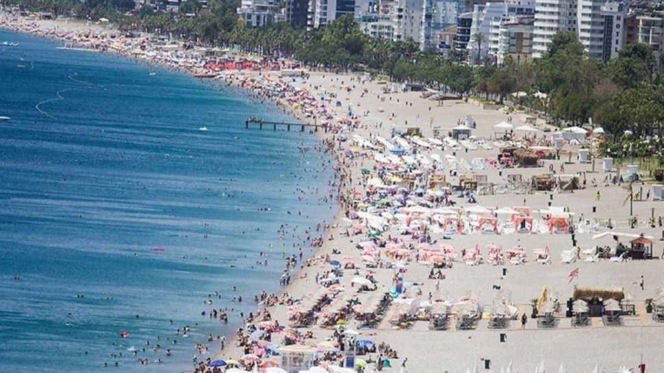 Antalya'ya Rus turistler akın ediyor