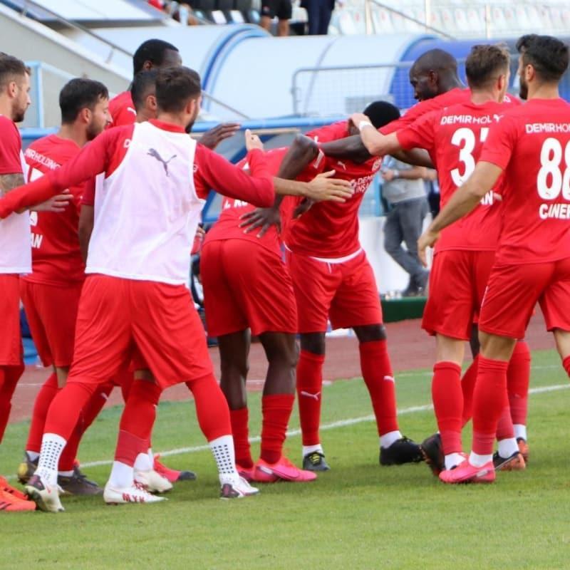 Sivasspor Erzurumspor'u 4 dakikada devirdi
