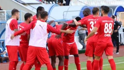Sivasspor deplasmandan 3 puanla dönüyor