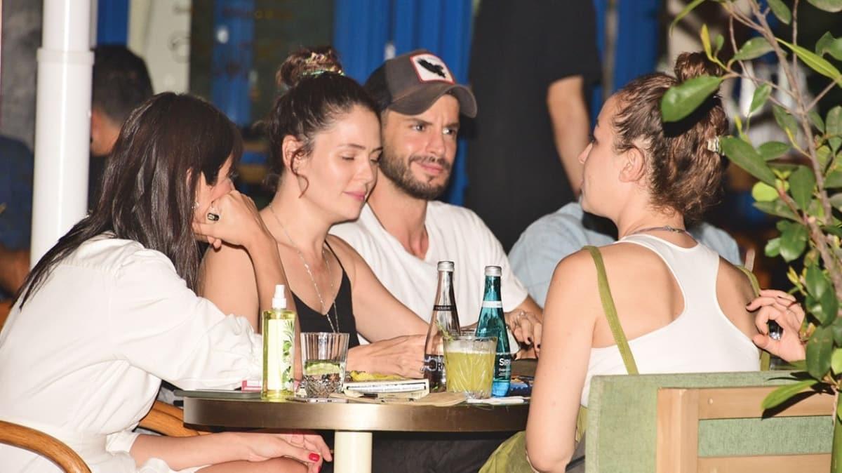 Berk Oktay ve sevgilisi Yıldız Çağrı Atiksoy'dan mutluluk pozları