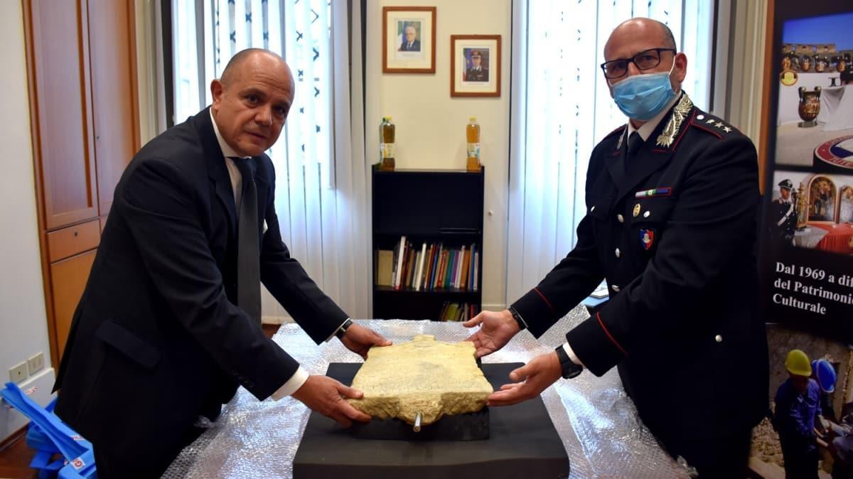 Türkiye'den kaçırılmıştı! Lidya dönemine ait kefaret yazıtı İtalya'da teslim alındı