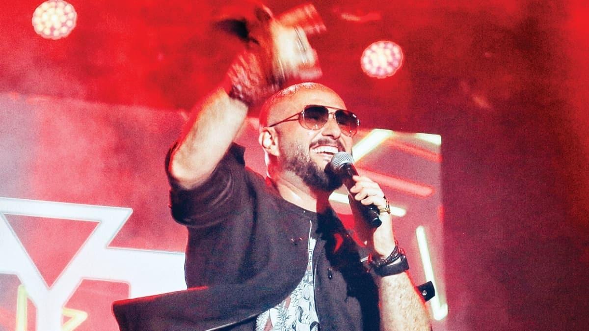 Bedük'ten Sultanlara şarkılı destek! 'Oynayalım' şarkısını yeniden yorumladı