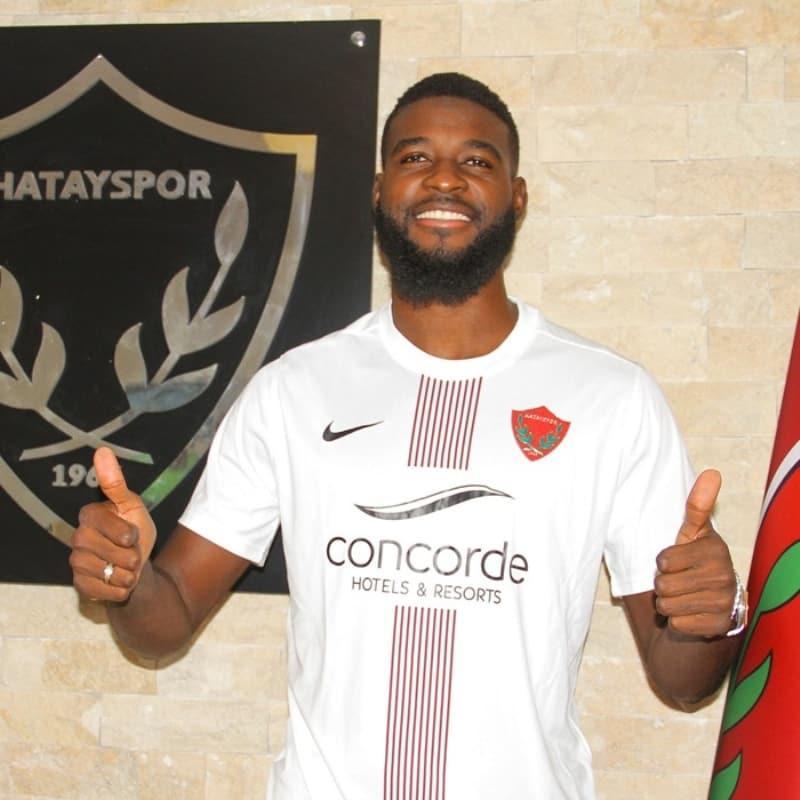 Hatayspor, Fransız stoper Jean Claude Billong ile sözleşme imzaladı