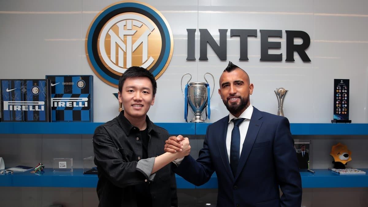 Inter Arturo Vidal'i kardosuna kattığını açıkladı