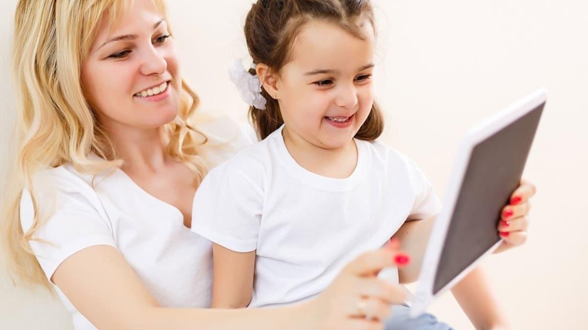 Çocuklarda teknoloji bağımlılığını azaltmak için davranışları değiştirin
