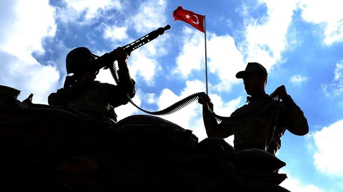 5 terör örgütü mensubu Şırnak'ta güvenlik güçlerine teslim oldu