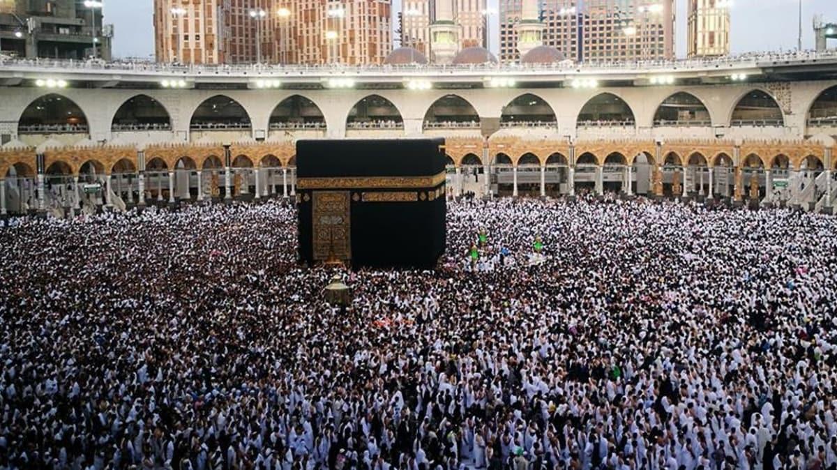 Suudi Arabistan'dan açıklama geldi... 4 Ekim'den itibaren umre ziyaretleri kademeli olarak başlıyor