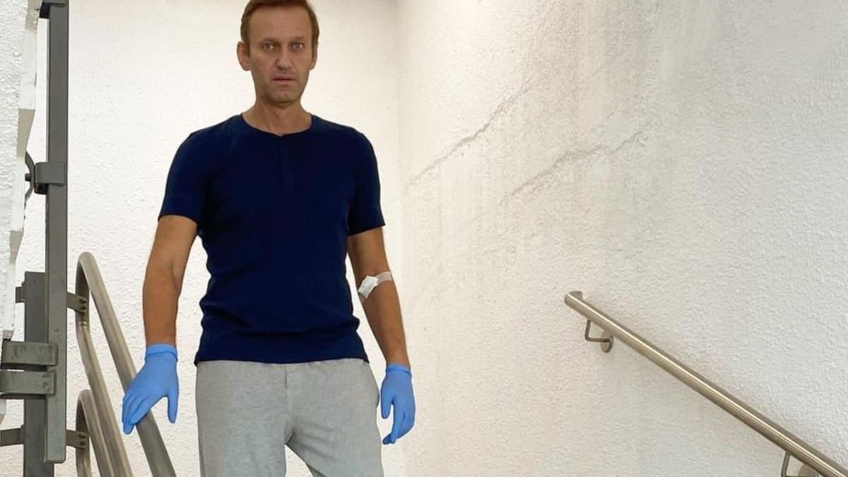 Zehirlendiği iddiasıyla tedavi gören Rus muhalif Navalnıy taburcu oldu