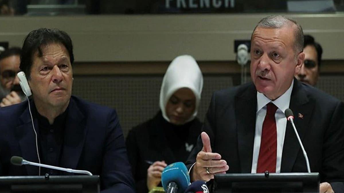 Pakistan Başbakanı Han, BM'de Keşmir'deki durumu gündeme getiren Başkan Erdoğan'a teşekkür etti