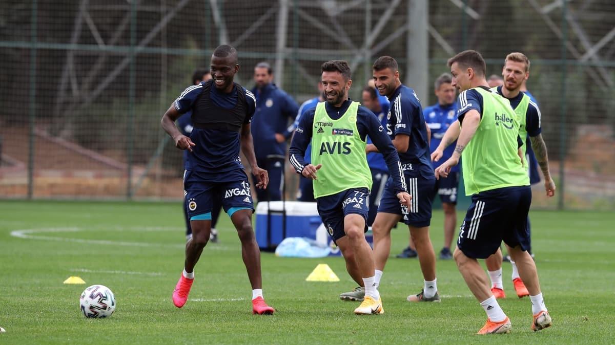 Fenerbahçe'de Galatasaray derbisi hazırlıkları sürüyor