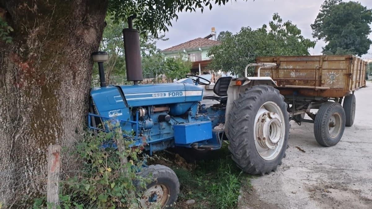 Traktörü kullanırken arı soktu hayatını kaybetti