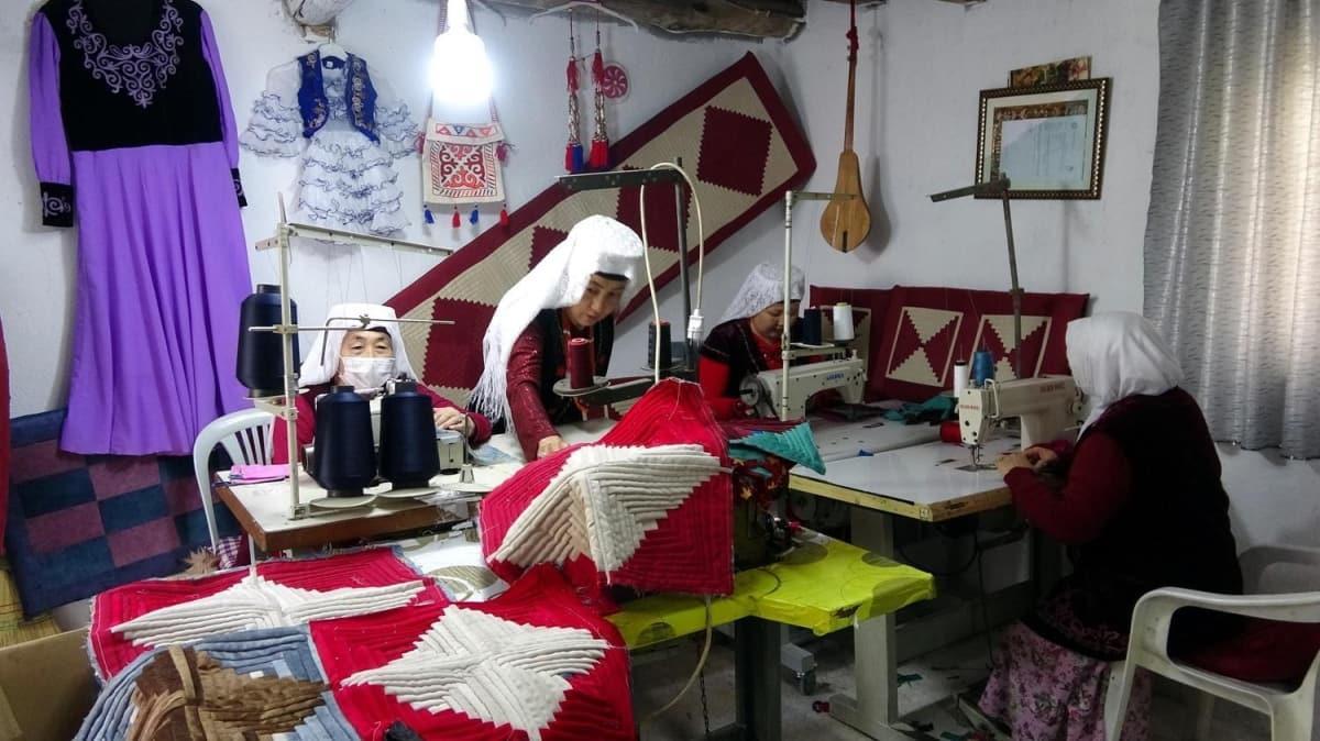 Van'da diktiği Kırgız kıyafetler iş kapısı oldu