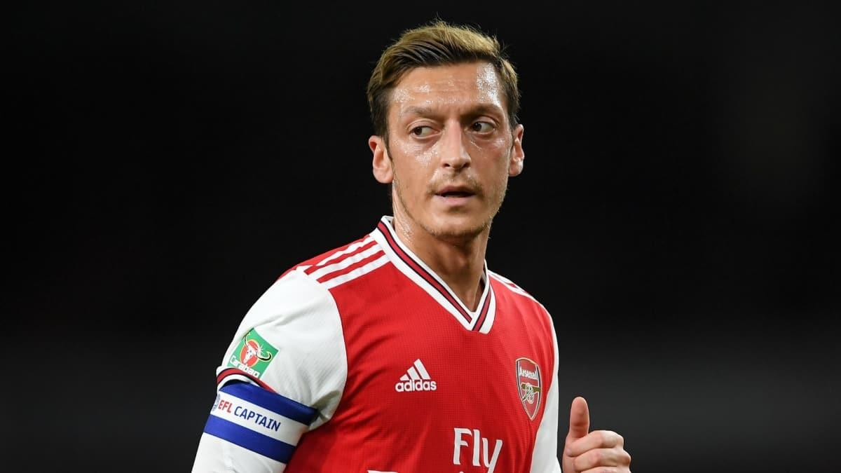 Arsenal menajeri Areta'tan Mesut'a kötü haber