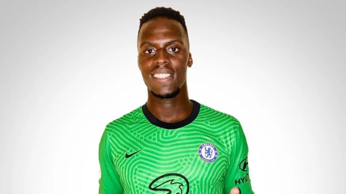 Chelsea, Edouard Mendy'yi kadrosuna kattı