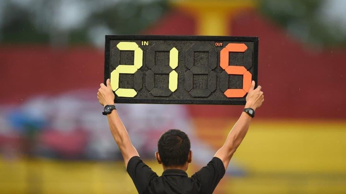 UEFA'dan 5 oyuncu değişikliği kararı