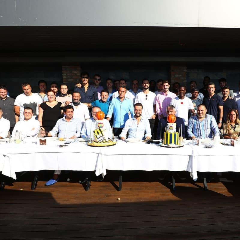 Fenerbahçe Beko yemekte bir araya geldi