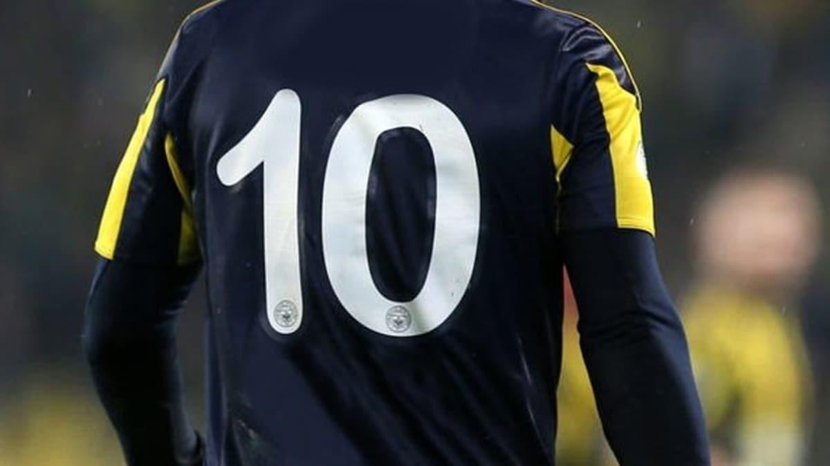 Fenerbahçe'nin yeni 10 numarası Samatta oldu