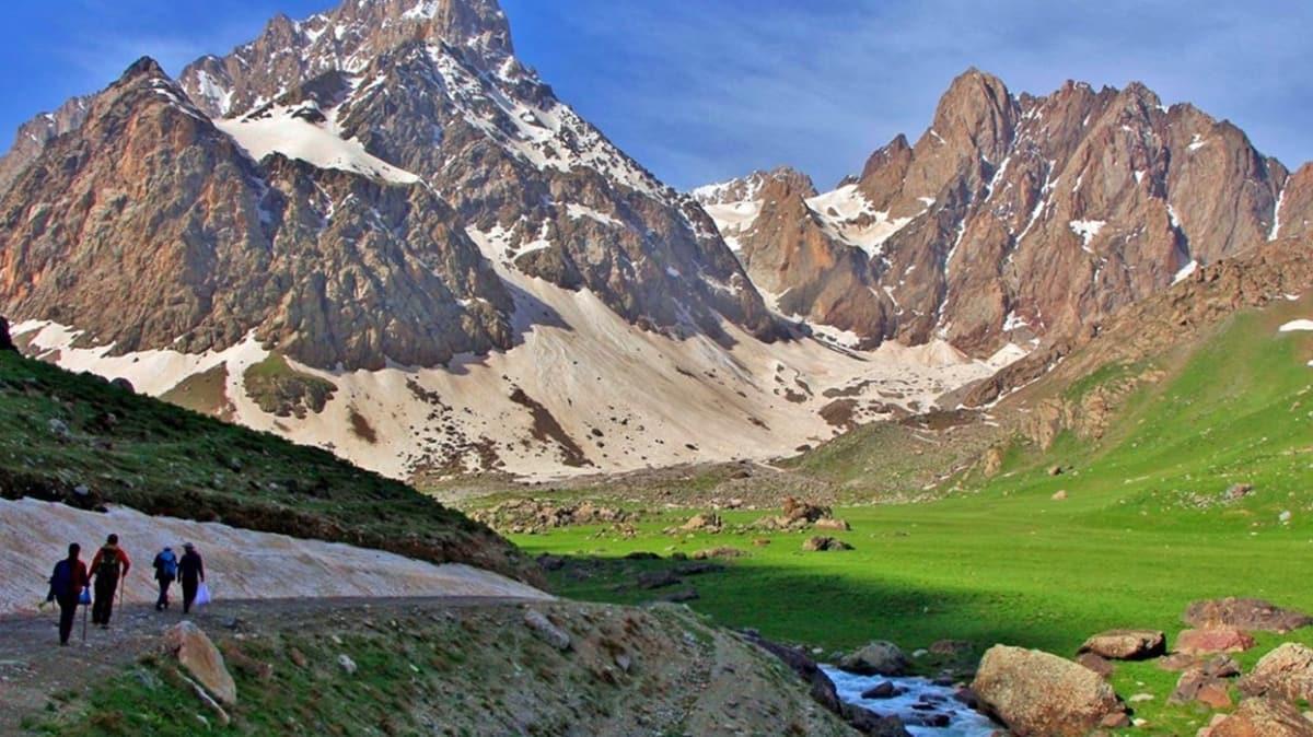 """Hakkari'deki Cilo ve Sat Dağları """"milli park"""" oldu: Resmi Gazete'de yayımlandı"""