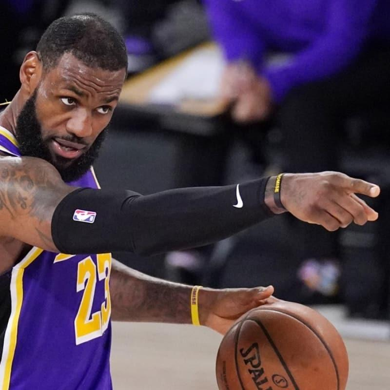 Los Angeles Lakers 10 yıl sonra NBA finaline yükseldi