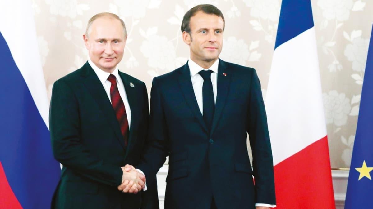 Navalnıy skandalı büyüdü! Elysee Sarayı köstebek arıyor!