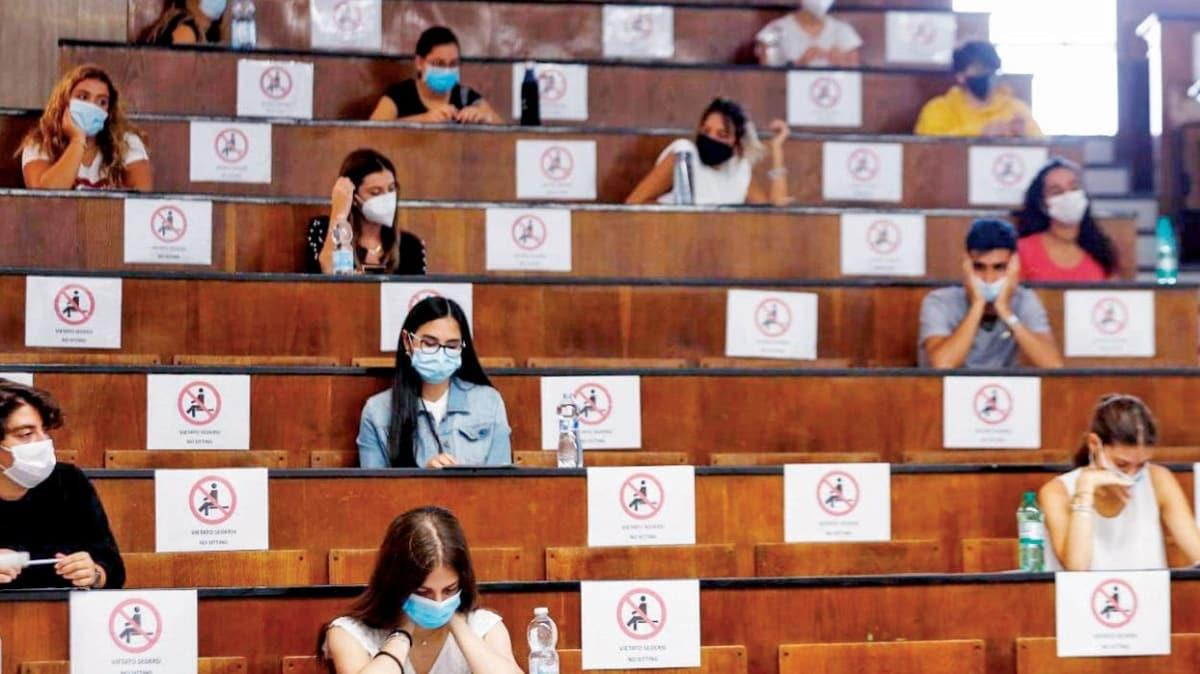Fransa'da 'küme salgını' paniği! Vakaların üçte biri okullardan