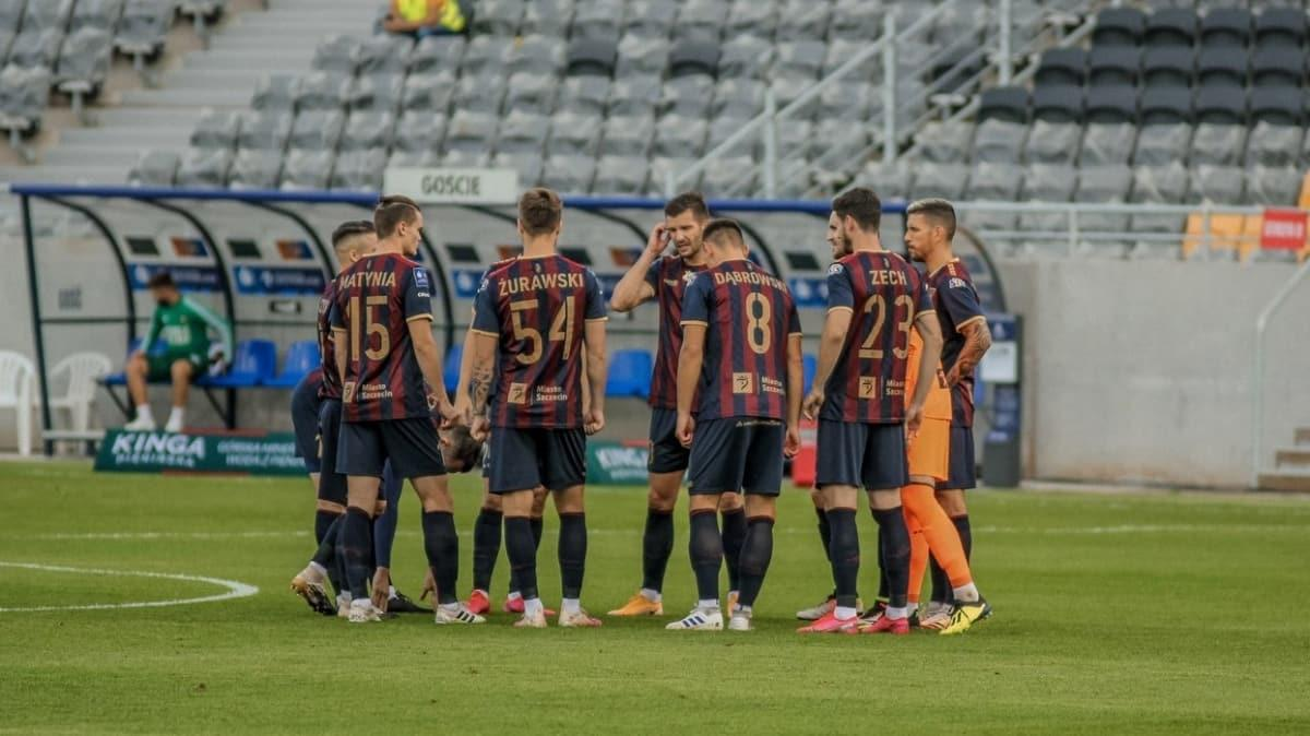 Pogon Szczecin'de 21'i futbolcu 30 kişide koronavirüs tespit edildi