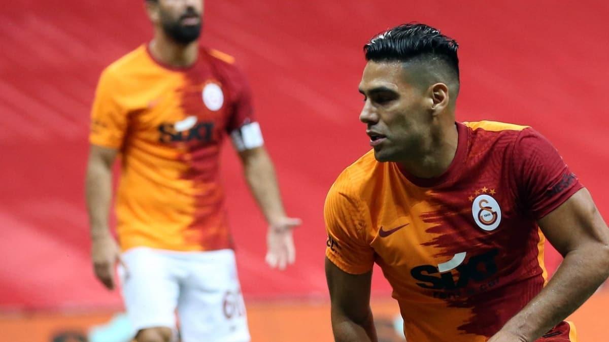 Radamel Falcao, Fenerbahçe derbisinde kaleye şut dahi çekemedi