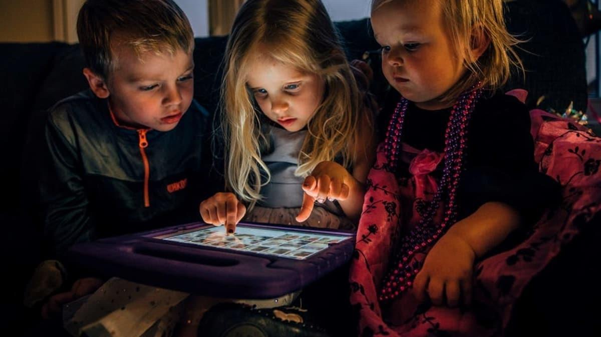 Çocuklarda ekran süresini 60 dakika ile sınırlandırın